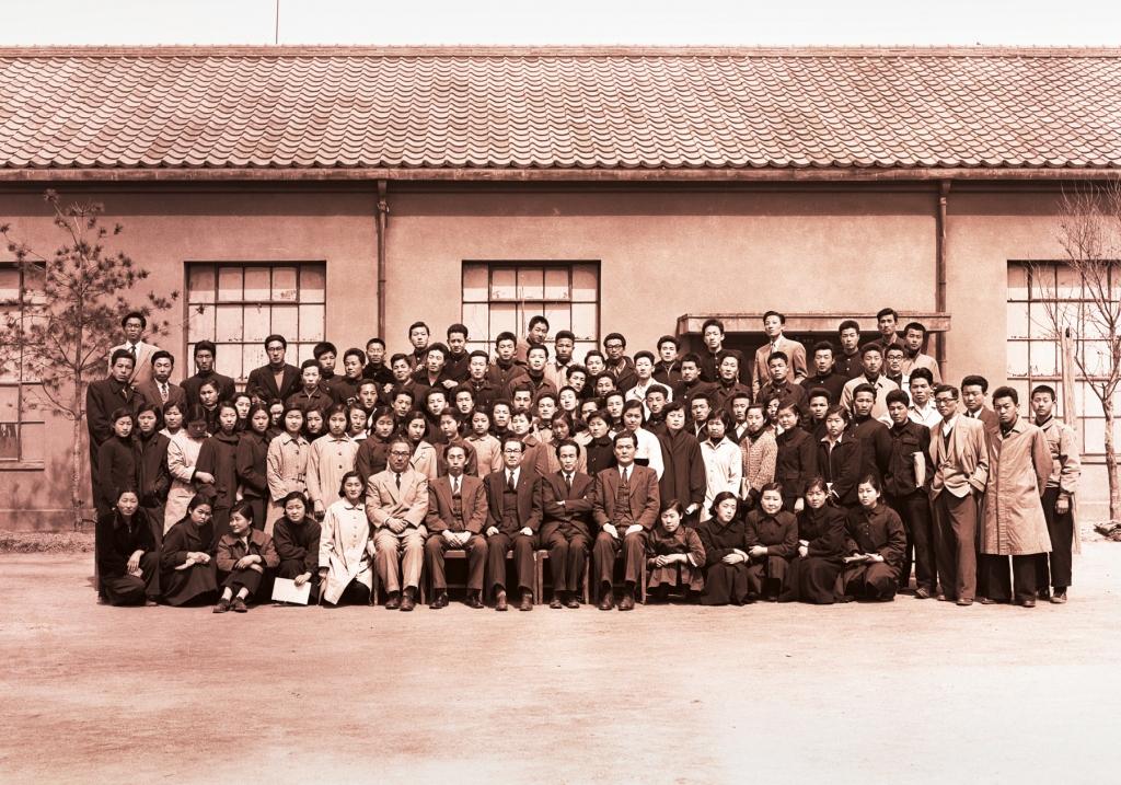 입학 기념 그룹사진 1957년